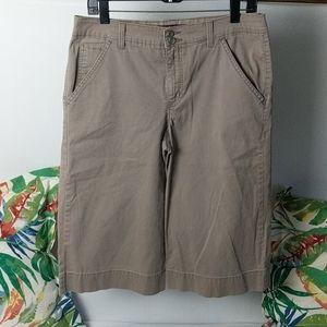 Gloria Vanderbilt size 10 Brown wide leg capris